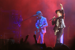 Beck, Riot Fest 2018, photo by Heather Kaplan