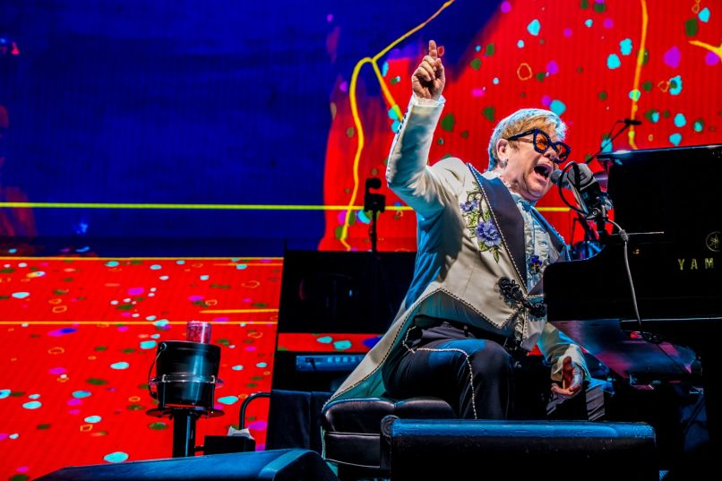 elton john 71 lior phillips Live Review: Elton John Says Goodbye to Chicago With Tears, Memories, and Jams (10/26)