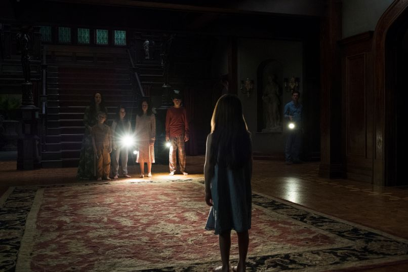hohh 106 unit 01017r 1 TV Review: Mike Flanagans The Haunting of Hill House Screams of Stephen King