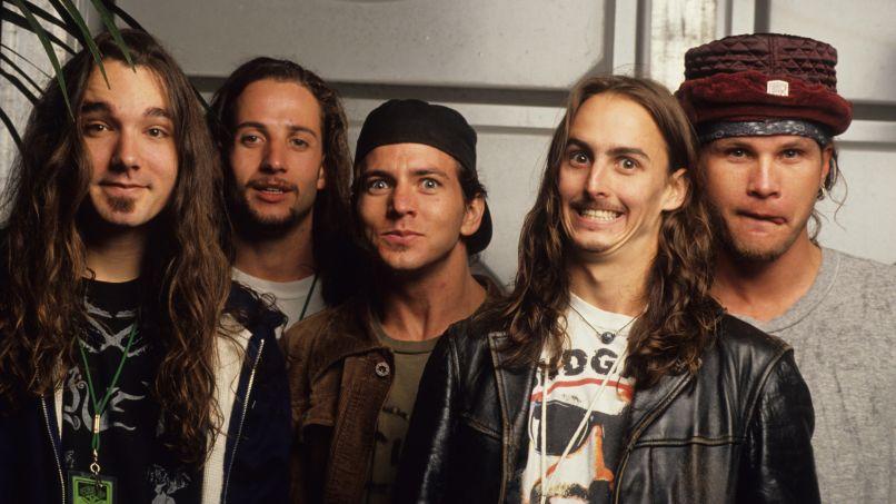 Pearl Jam Vs. Lineup