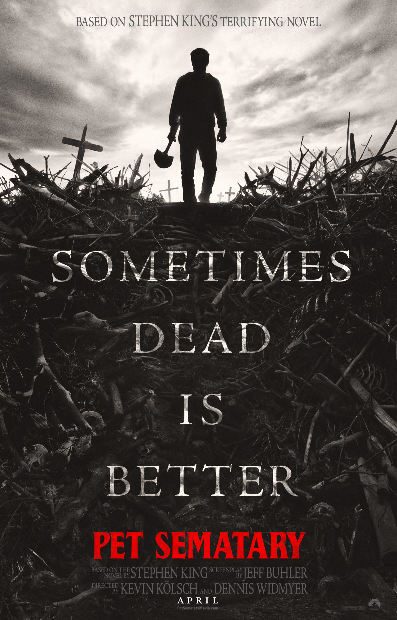 ps online vertical  e1539092568420 Heres the first poster for Stephen Kings Pet Sematary remake
