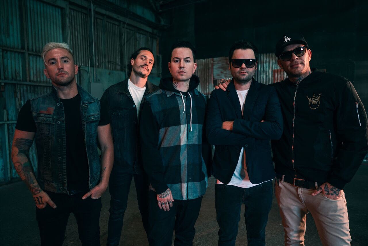 Hollywood Undead New Album 2019 Hollywood Undead lose masks, release surprise EP, and plot 2019
