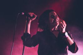Nadine Shah // Iceland Airwaves // Photo by Lior Phillips