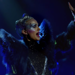 "Video Natalie Portman singing Sia's ""Wrapped Up"" in Vox Lux trailer"