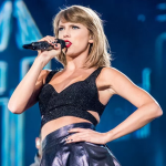 Taylor Swift signs with Republic Records