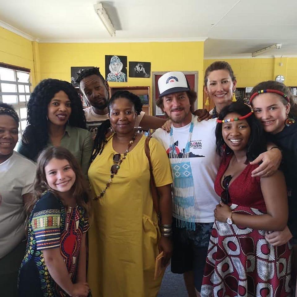 47290695 1977159132380299 1901227390231642112 n Eddie Vedder reunites with South African high school choir, covers The Beatles: Watch