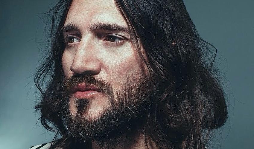 John Frusciante makes a rare return to the guitar on Dewa ...