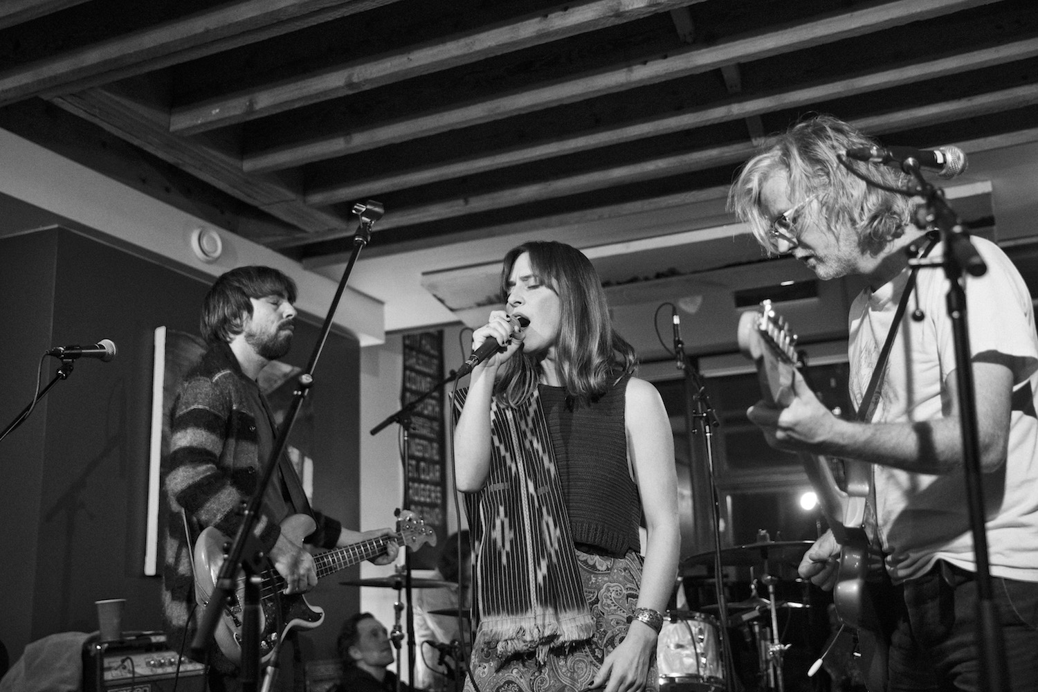 "Video Broken Social Scene ""Can't find My Heart"" + ""1972"" new Strombo Show"