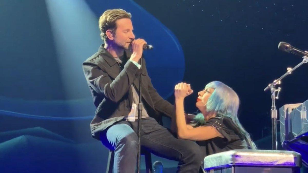 Lady Gaga and Bradley Cooper live in Las Vegas