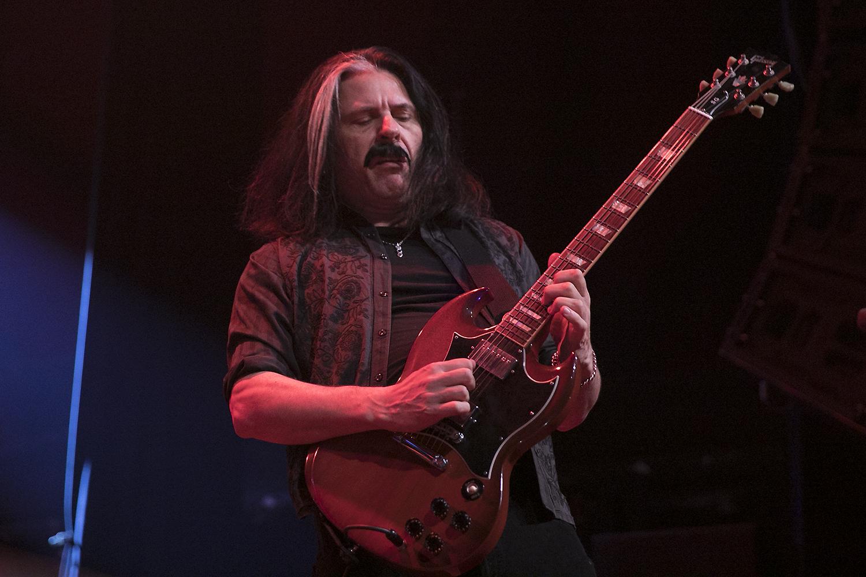 Alex Skolnick performs with Metal Allegiance