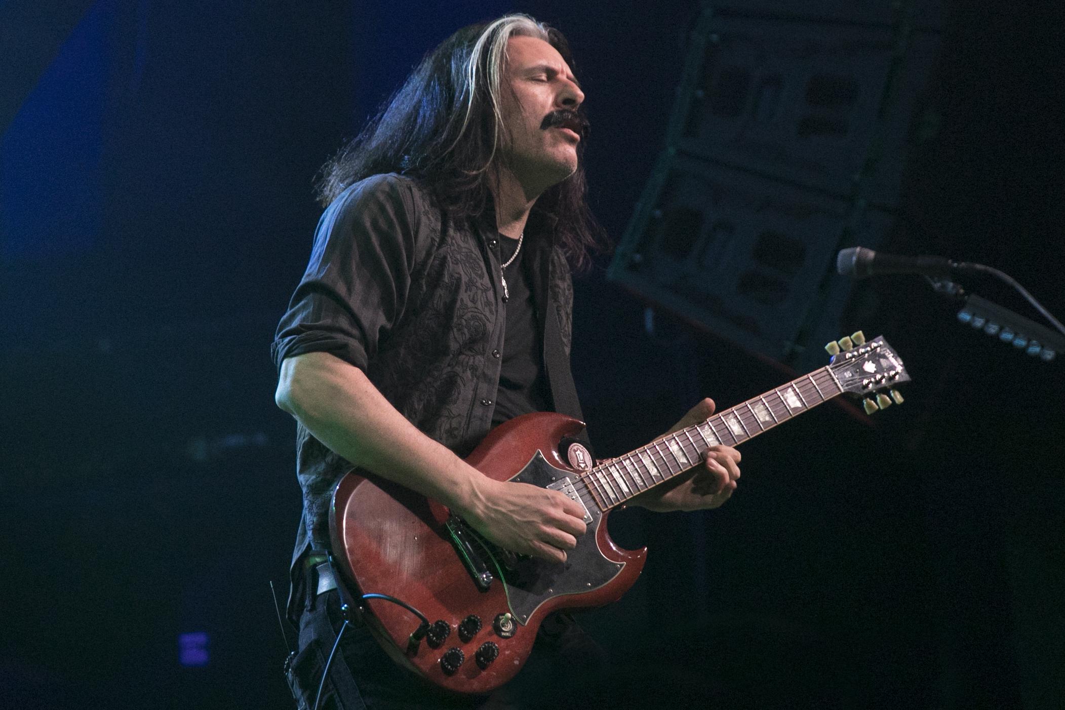 Alex Skolnick performs with Metal Allegiance in Anaheim, California