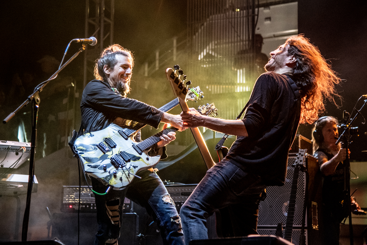 Bumblefoot and Frank Bello at ShipRocked 2019