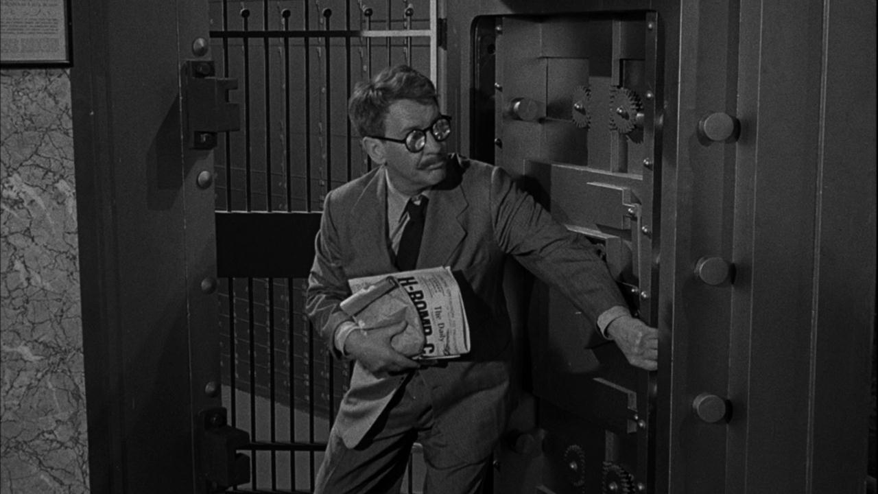 CBS TWILIGHT ZONE 008 IMAGE CIAN 1280x720 1202656323548 The Twilight Zone in 10 Episodes: Rod Serlings Greatest Hits