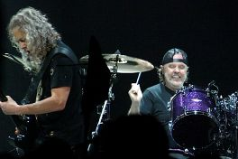 Metallica 4 Anne Erickson Live Review: Metallica Close North American Run of WorldWired Tour in Michigan (3/13)