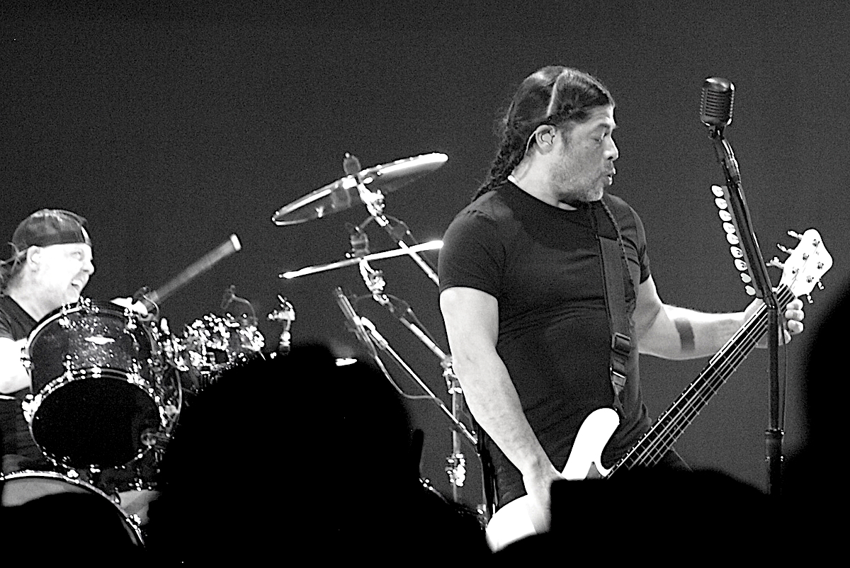 Metallica 7 Anne Erickson BW Live Review: Metallica Close North American Run of WorldWired Tour in Michigan (3/13)