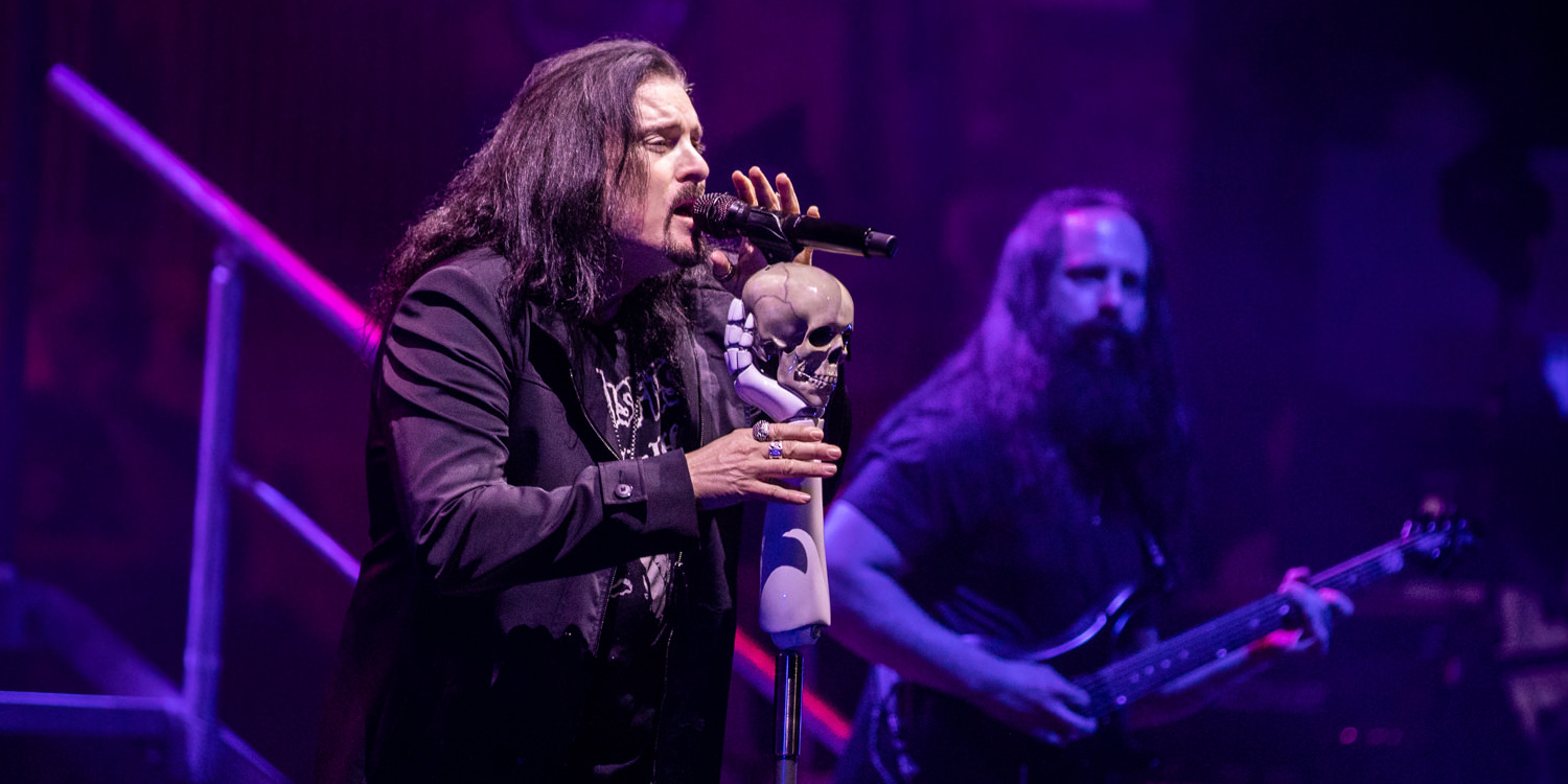 """In Photos: Dream Theater Take Fans Down """"Memory"""" Lane at New York's Beacon Theatre (4/12)"""