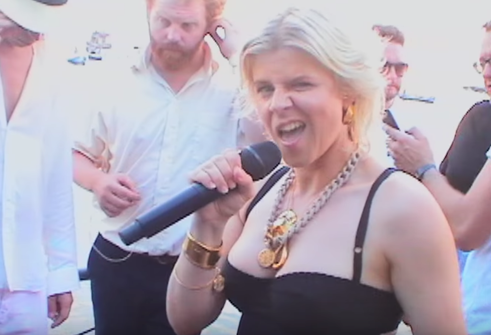 "Robyn parties it up in Ibiza in ""Between the Lines"" video ...Dr Robyn Randall"