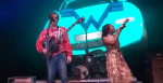 """Weezer perform """"No Scrubs"""" with Chilli of TLC"""
