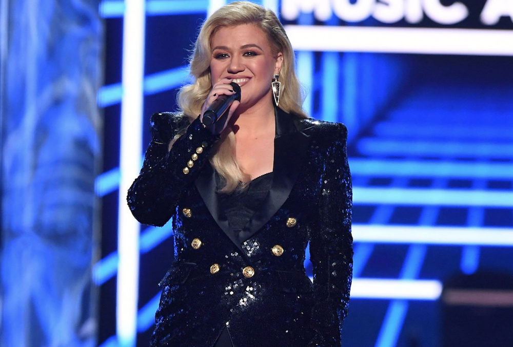Kelly Clarkson undergoes appendectomy hours after hosting 2019 Billboard Music Awards