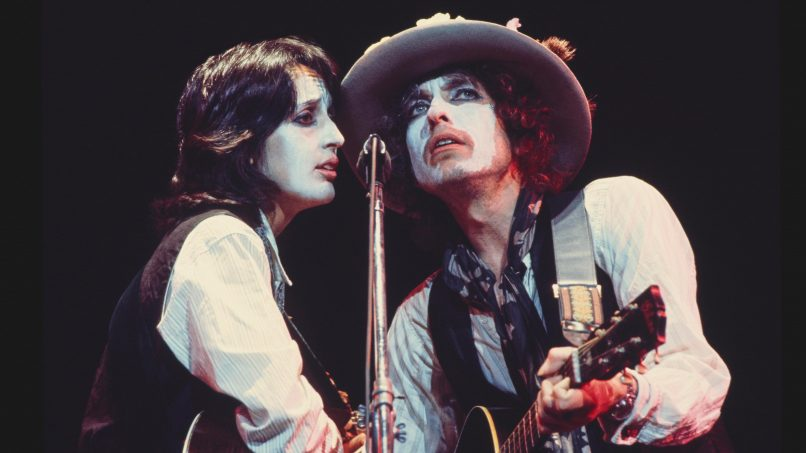 Joan Baez and Bob Dylan in Rolling Thunder Revue