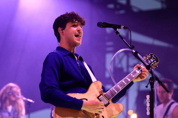 Vampire Weekend Brings Warmth to a Chilly Chicago (6/16) | Live Review