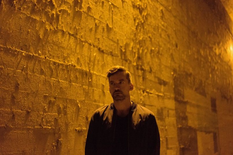 Bonobo Linked Neil Krug Linked new single track song