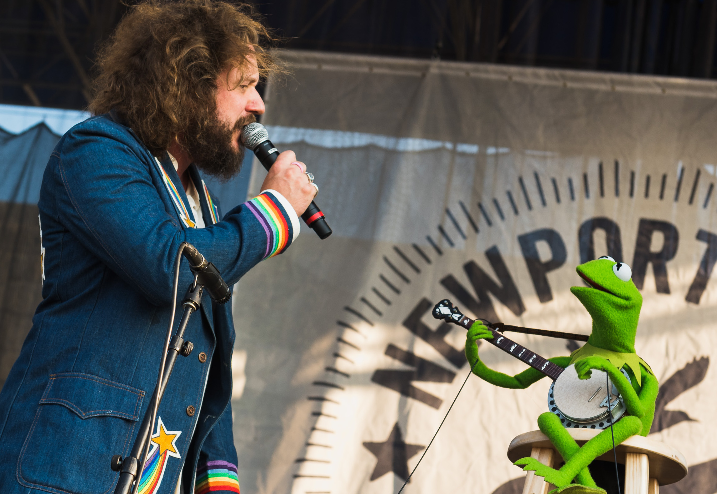 "Jim James and Kermit the Frog sing ""Rainbow Connection"" with Janet Weiss on drums: Watch"
