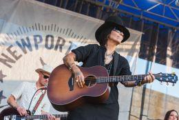 Linda Perry at ♀♀♀♀: The Collaboration at Newport Folk Festival 2019