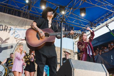 Linda Perry and The Highwomen at♀♀♀♀: The Collaboration at Newport Folk Festival 2019