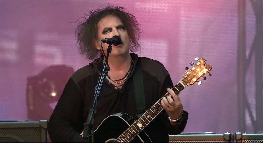 """The Cure bring """"Just Like Heaven"""" to epic heights in exclusive Live in Hyde Park clip: Watch"""