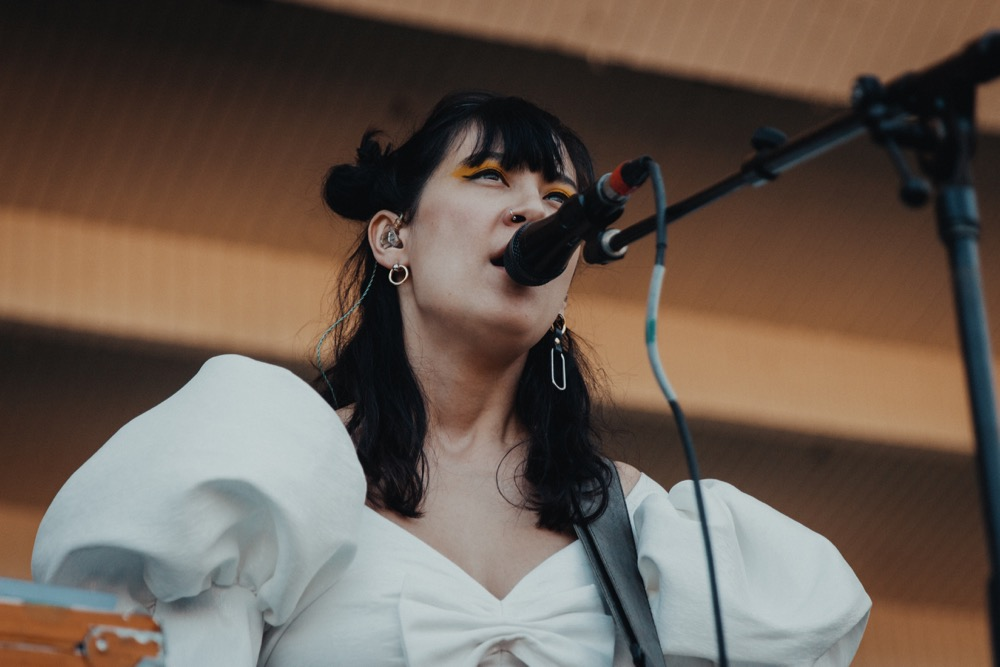 """Japanese Breakfast covers Wilco's """"Jesus, Etc."""" at Lollapalooza: Watch"""