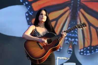 Kacey Musgraves at Lollapalooza 2019, photo by Heather Kaplan
