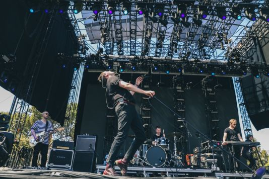 The Twilight Sad at Pasadena Daydream, photo by Debi Del Grande