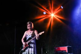 Throwing Muses at Pasadena Daydream, photo by Debi Del Grande