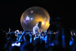 The Flaming Lips at Riot Fest 2019, photo by Heather Kaplan