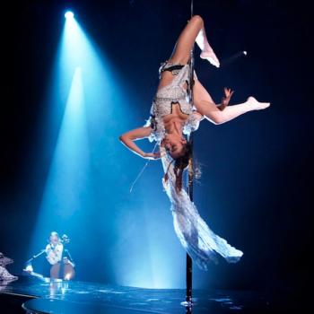 Fka Twigs Cellophane pole dance fallon Andrew Lipovsky nbc