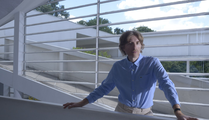 "Air's Nicolas Godin shares new solo single ""The Border"": Stream"