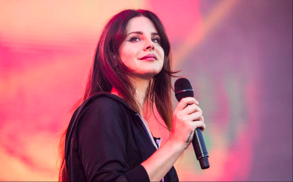 """Lana Del Rey covers Joni Mitchell's """"For Free"""": Watch"""