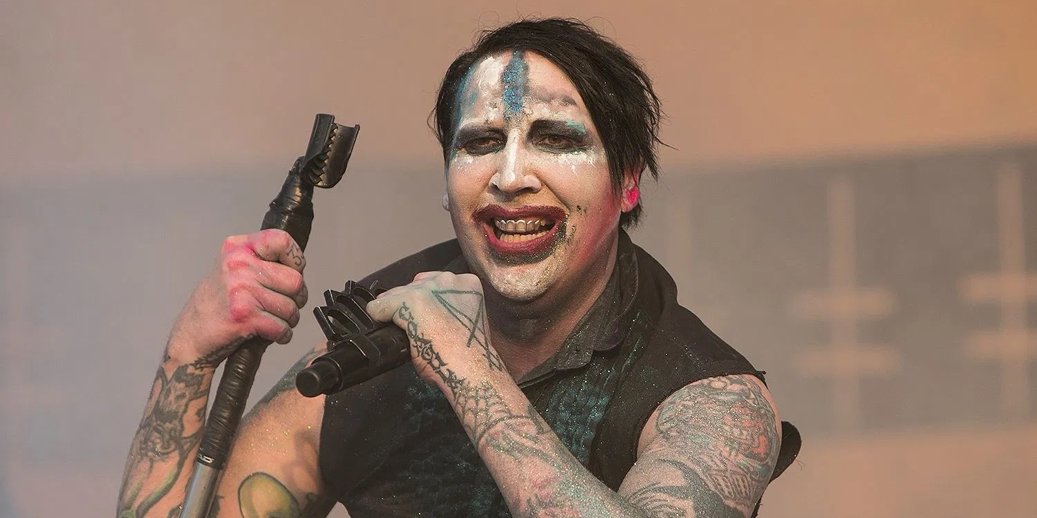 Awkward mosh pit breaks out during Marilyn Manson's gig at Astroworld Fest