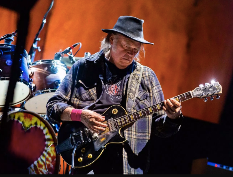 Neil Young Quits Facebook Obvious Commitments Republicans Politics
