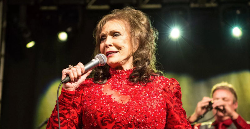 "Loretta Lynn says country music is ""dead"""