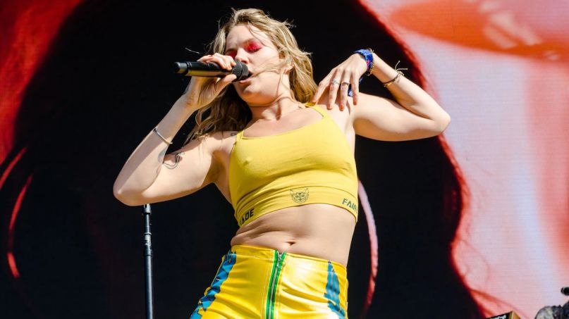 Tove Lo Bikini Porn Passion and Pain Taste the Same When I'm Weak FINNEAS new songs stream