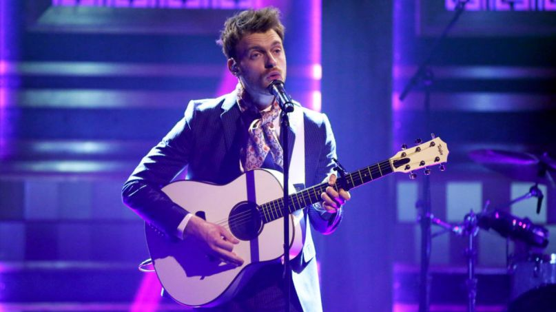 Finneas The Tonight Show Jimmy Fallon fall in love for the night interview