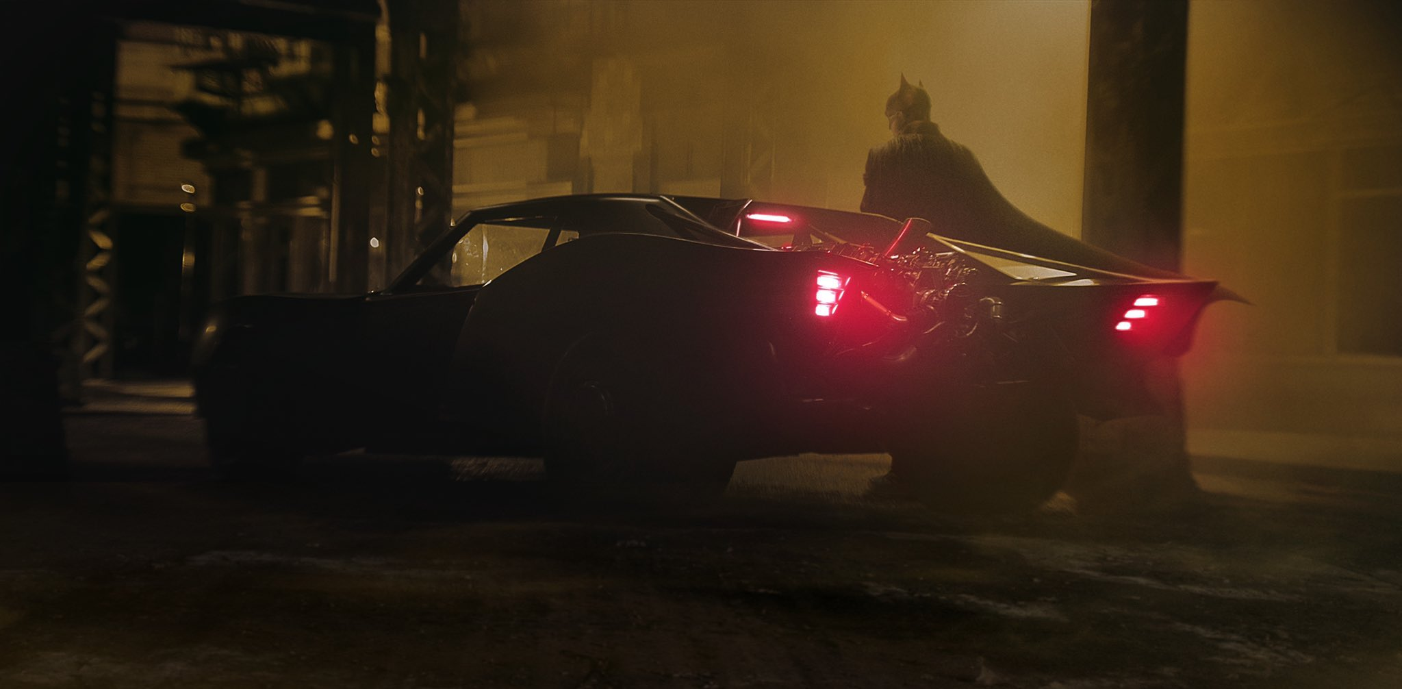 Matt Reeves The Batman Batsuit Batmobile costume car warner robert pattinson