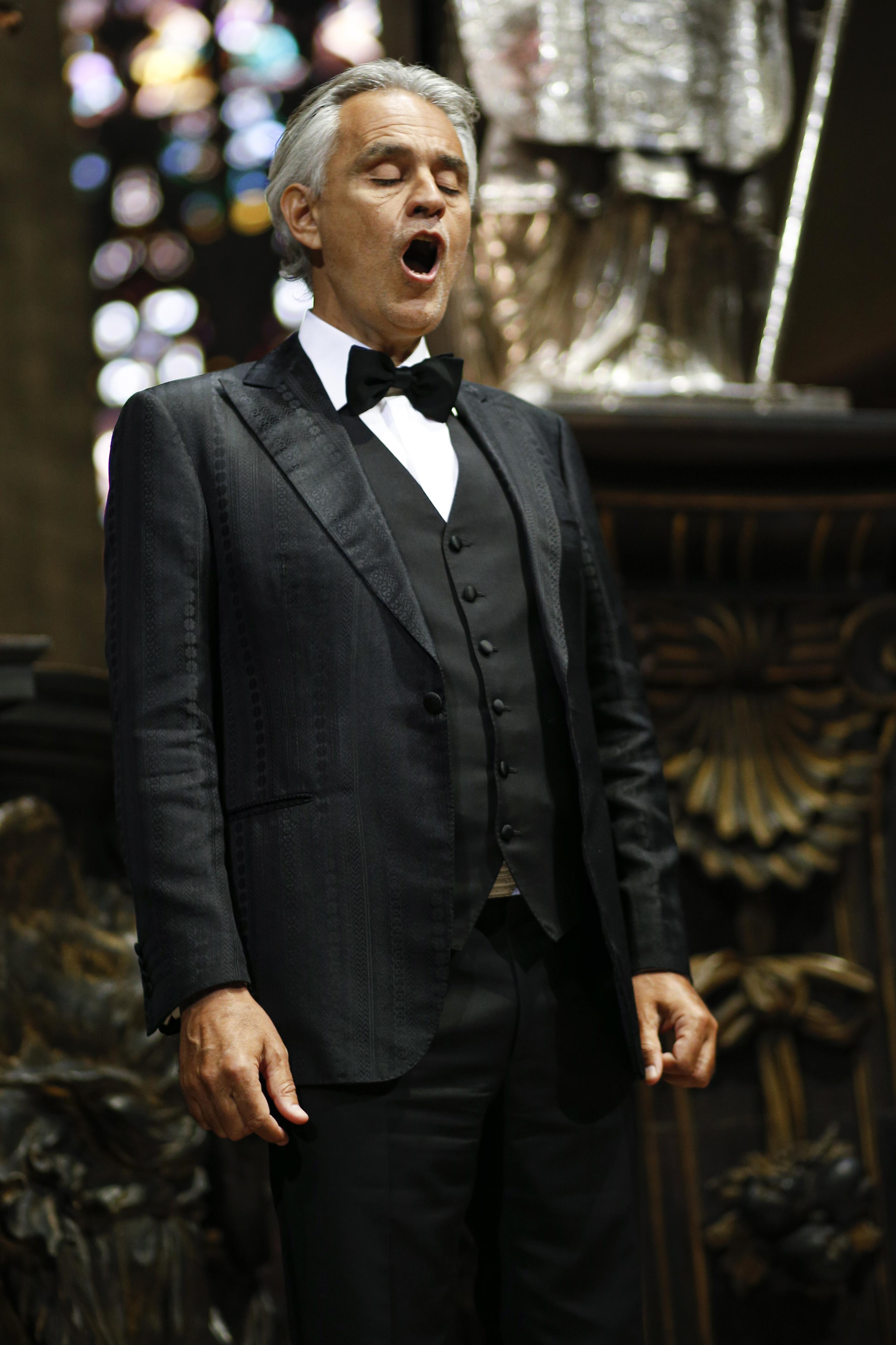 Bocelli Duomo 6 credit LUCA ROSSETTI COURTESY SUGAR SRL DECCA RECORDS Andrea Bocelli Releases Full Easter Sunday Concert Video: Watch