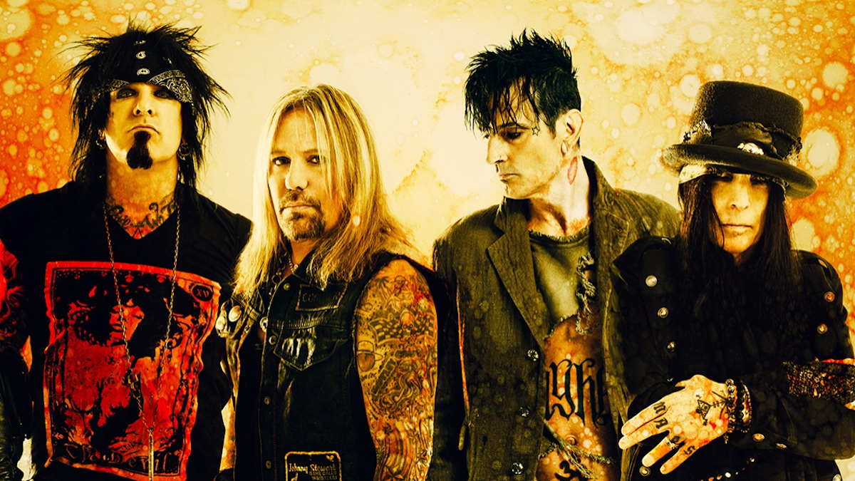 """Tommy Lee: Motley Crue's summer tour with Def Leppard is """"still a go"""""""