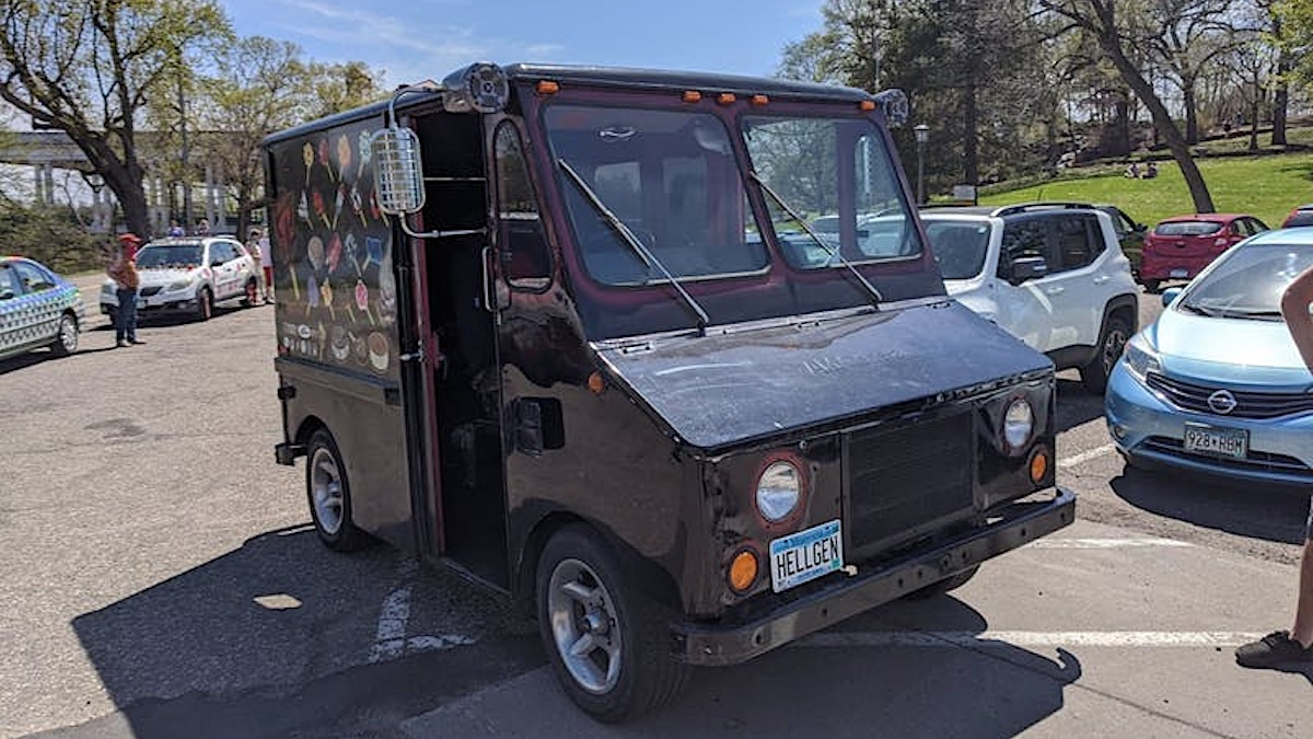 Minneapolis ice cream truck plays extreme metal, serves no ice cream