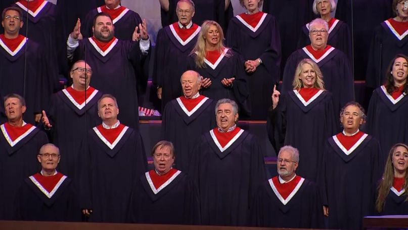 Choir performs at Mike Pence event in Texas
