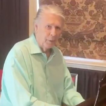 """Brian Wilson Performs """"Love and Mercy"""""""