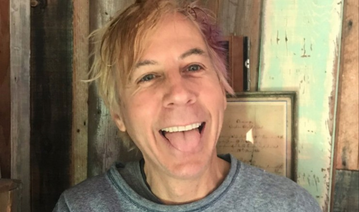 "John Vanderslice shares new song ""Lure Mice Condemn Erase"": Stream"